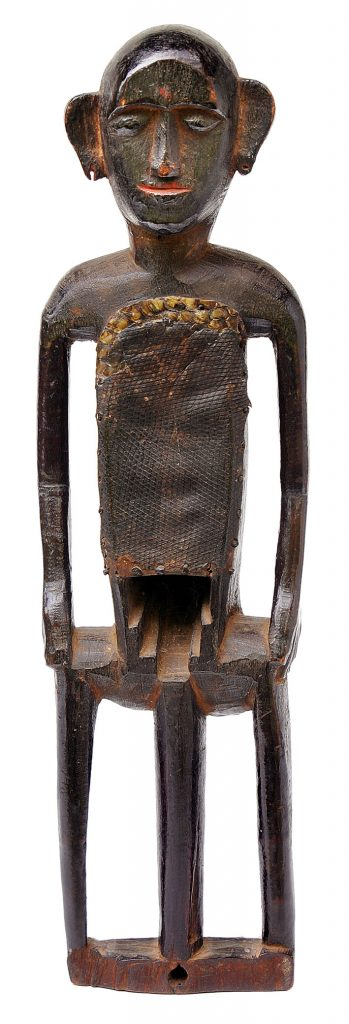 Huka Banam, India, first half of the 20th century, 61.5 x 13 x 9.5 cm, wood and leather © Museum Rietberg Zürich