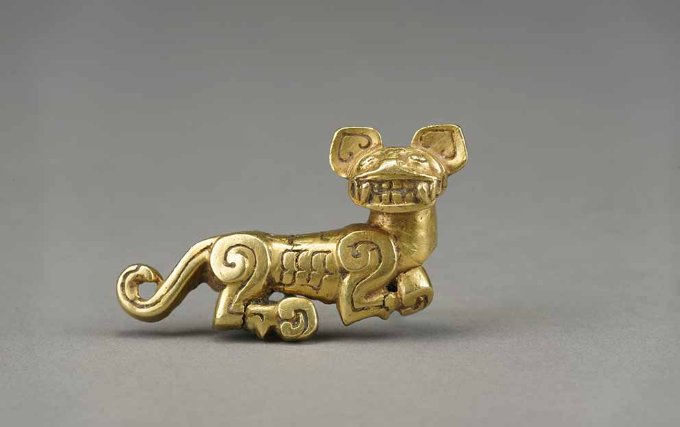 Tiger, Spring and Autumn period (771–476 BC), gold, Excavated from Fengxiangxian, Baoji, 1979, Xi'an Museum