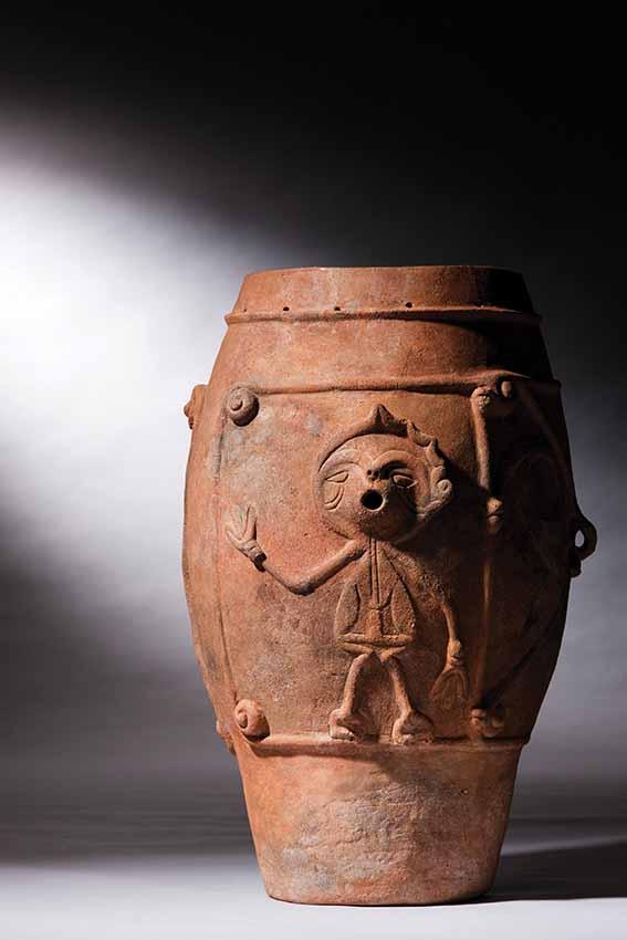Deep earthen ware vessel with dancing figure, Middle Jomon, height 54.8 cm, Imojiya, Yamanashi prefecture, Minami Alps City Board of Education, Yamanashi. Important Cultural Property