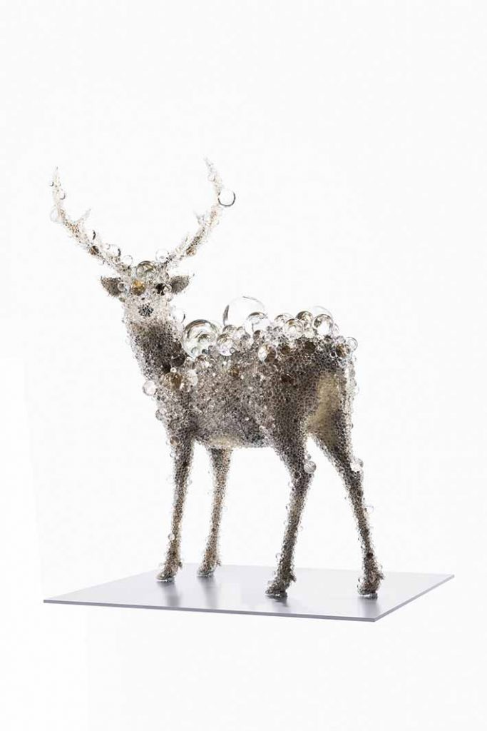 Kohei Nawa, PixCell-Deer#51 (2018), mixed media, 219,7 x 189 x 150 cm. Photo: Nobutada Omote/Sandwich