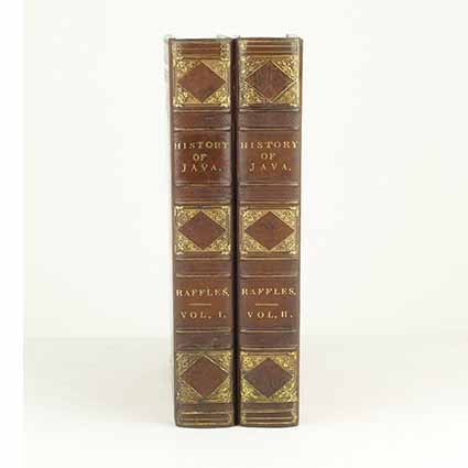 The History of Java, two volumes, publisher John Murray in London in 1817, only 900 copies of the first edition were published